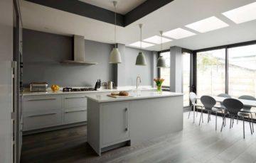 دکوراسیون آشپزخانه خاکستری و سفید