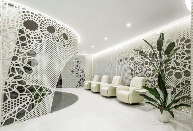 طراحی داخلی سالن کاشت ناخن زنبق