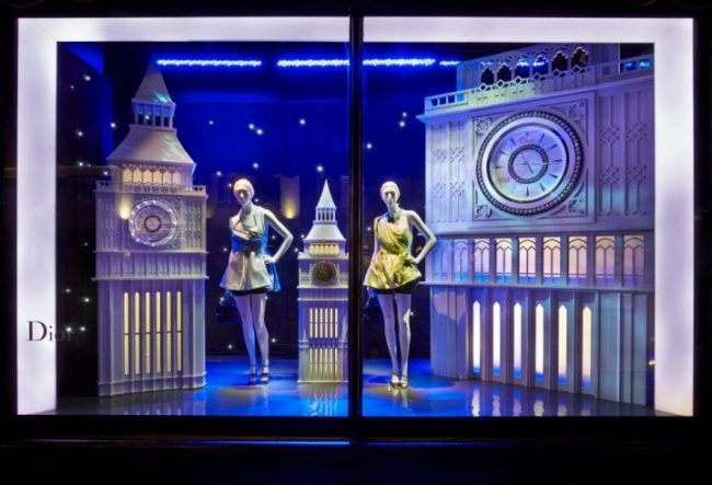 طراحی خلاقانه ویترین فروشگاه مد Harrods در لندن