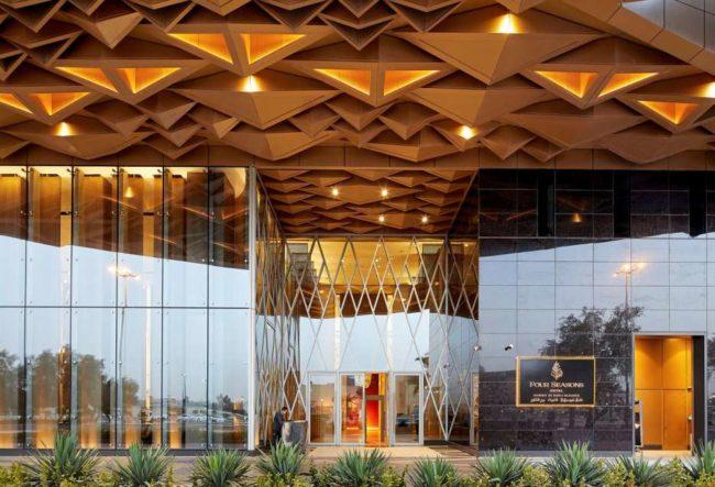 طراحی هتل با نمای پارامتریک