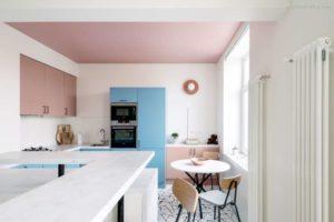 30 ایده طراحی آشپزخانه صورتی برای کمک به طراحی های شما - Pastel pink and blue kitchen 300x200
