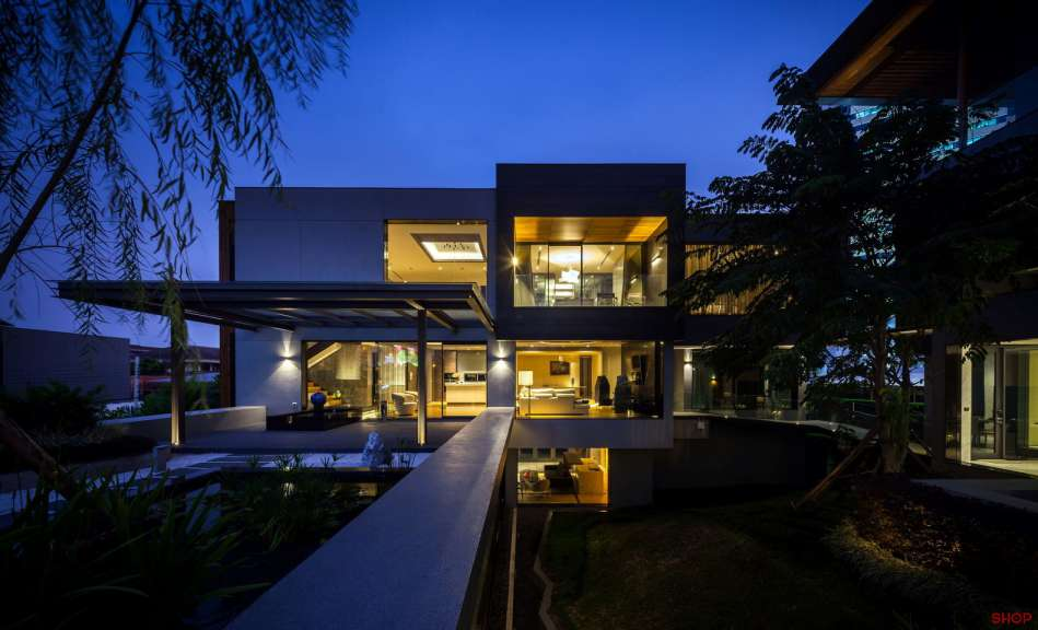 طراحی ویلا برای ماشین بازها - Villa OKS CASA 7