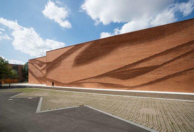 طراحی نمای آجری ساختمان صنایع نساجی آلمان