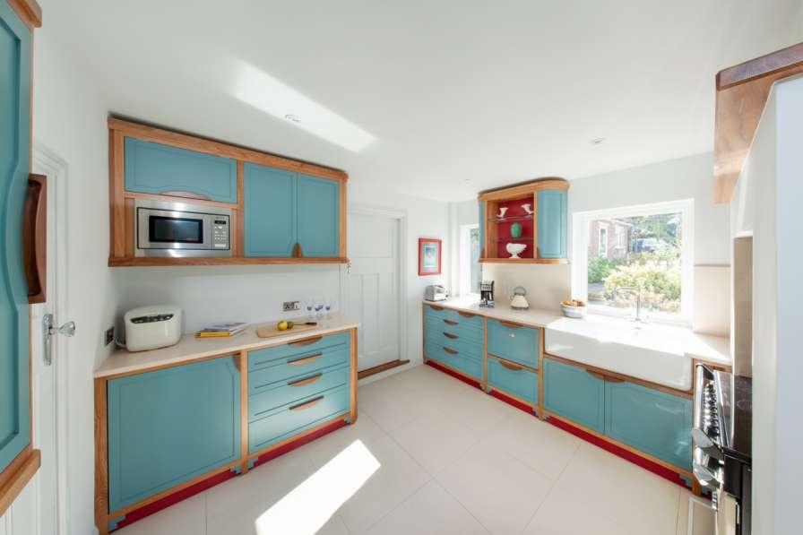 دکوراسیون رنگارنگ آشپزخانه