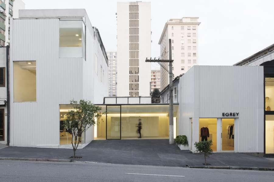 پلان فروشگاه های تجاری با مساحت 100 تا 1000 متر مربع - architectural plan retail shop 25