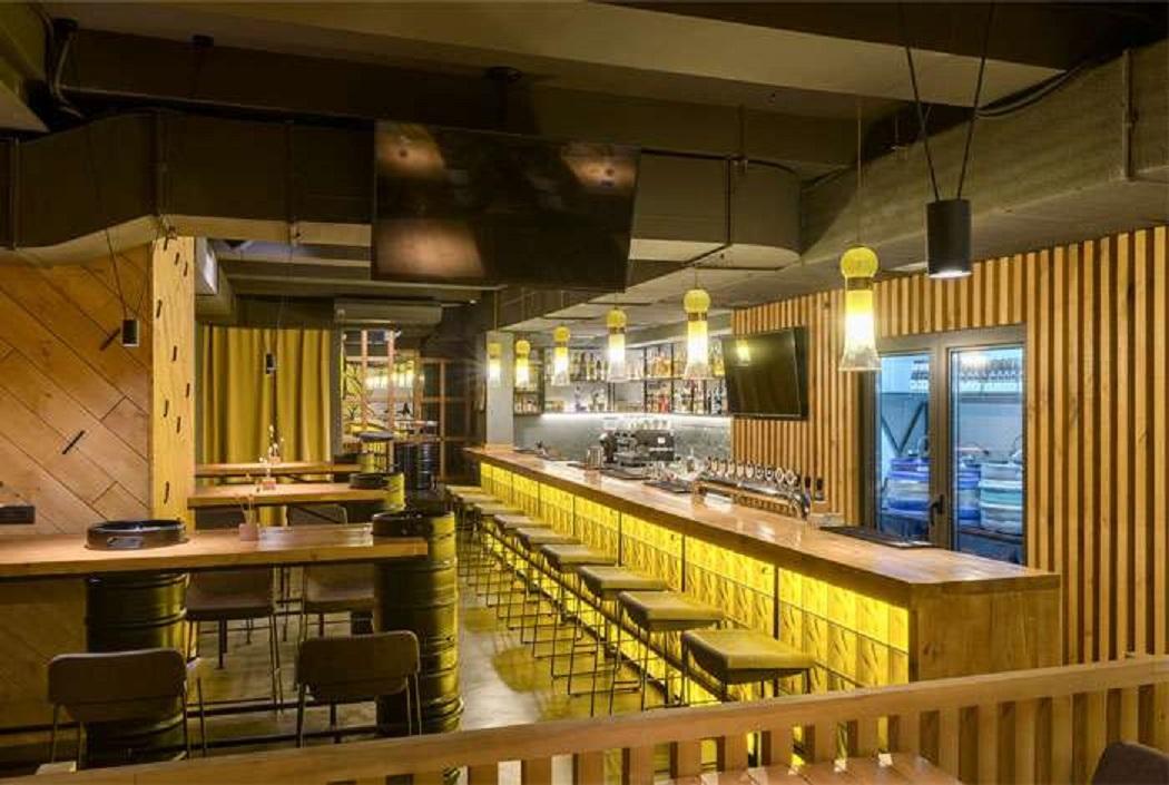 طراحی کافه بار در اوکراین - beer bar 25