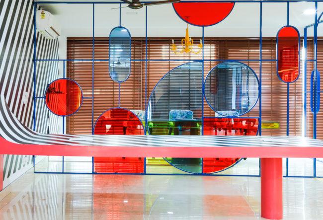 طراحی خلاقانه دفتر کار رنگارنگ در هند