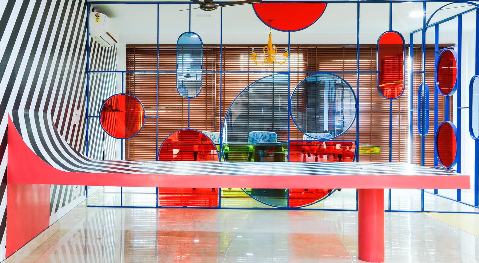 طراحی خلاقانه دفتر کار رنگارنگ در هند - Esquire Office 1 1