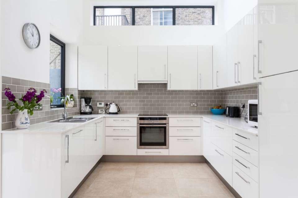 30 ایده طراحی آشپزخانه U شکل - U Shaped Kitchens 9