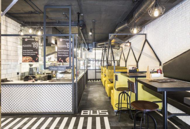 طراحی داخلی کافه شهری مدرن