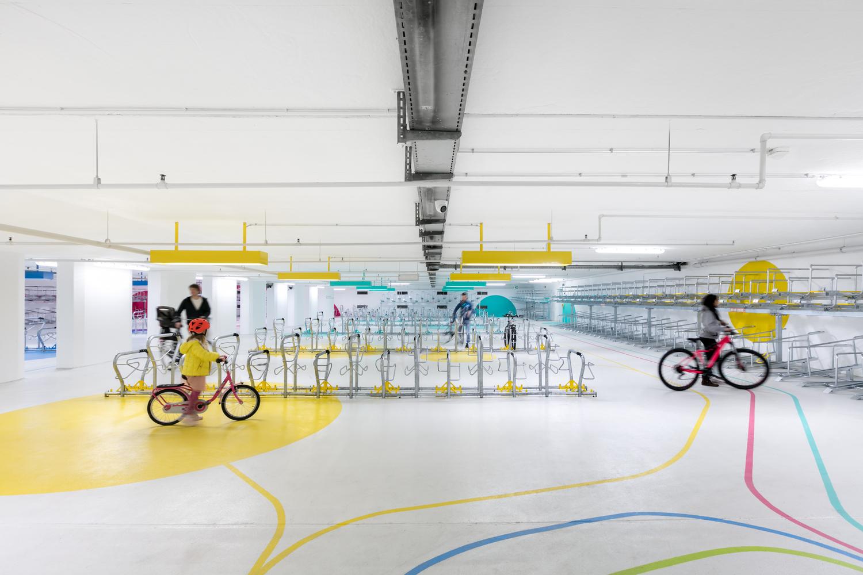 تغییر کاربری گاراژ قدیمی به پارکینگ دوچرخه - Bicycle Parking Main Station Karlsruhe 4 1