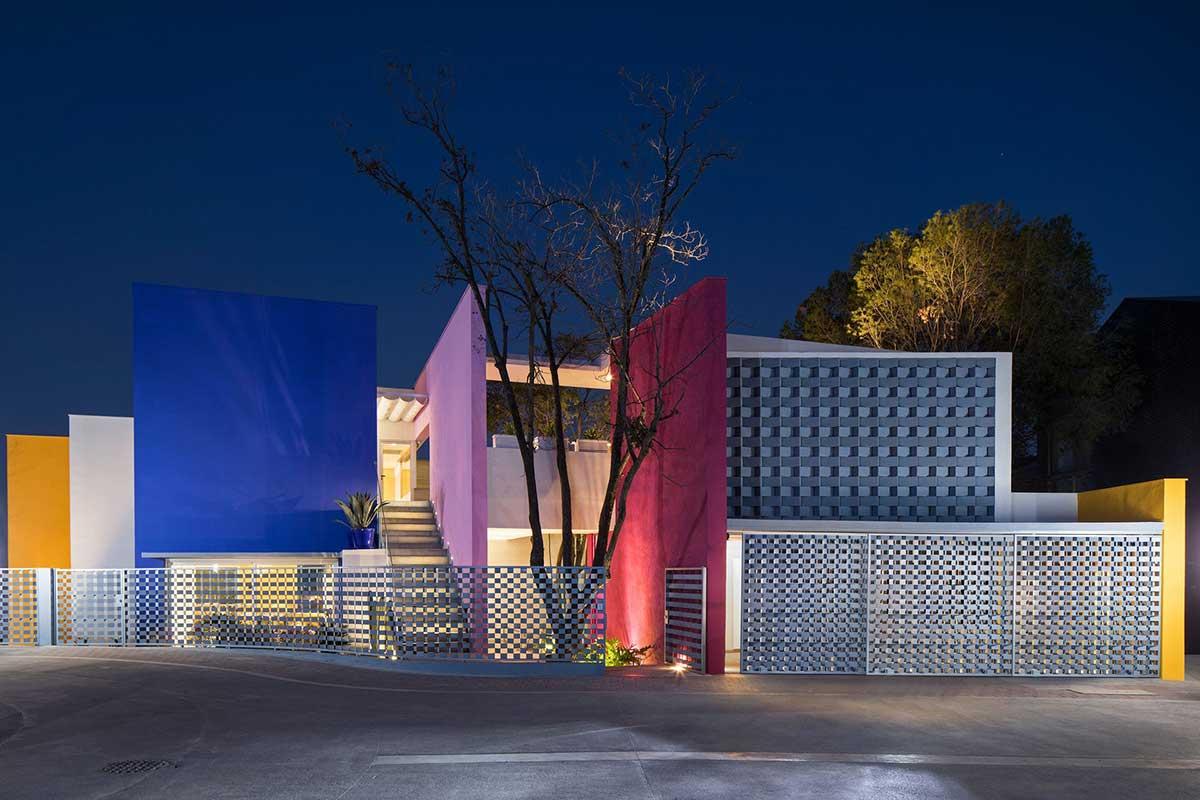 طراحی خانه رنگی مدرن در مکزیک