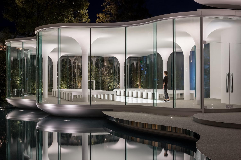 طراحی سالن عروسی در بطن یک کلیسای مدرن - Cloud of Luster Chapel 1 1