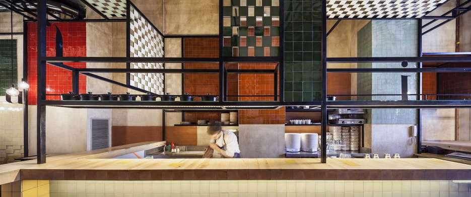 طراحی داخلی رستوران کاتالانی