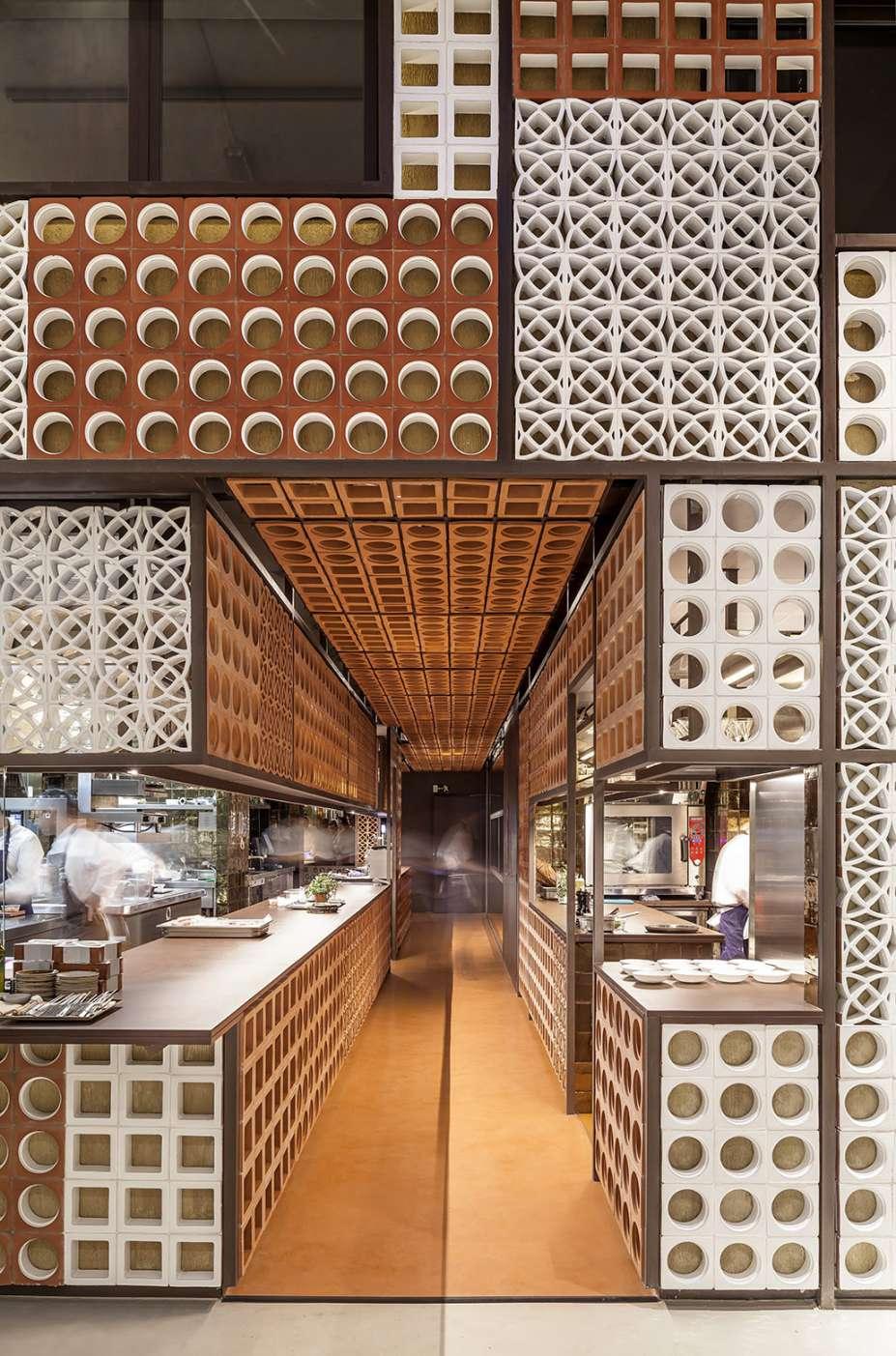 دکوراسیون رستوران کاتالانی