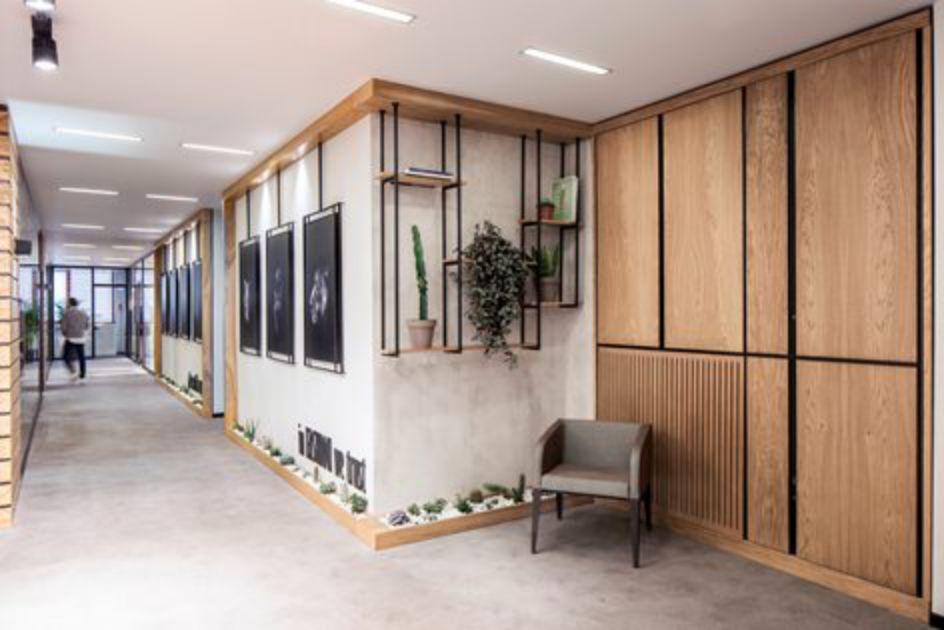 طراحی داخلی دفتر کار طراحی مد و لباس
