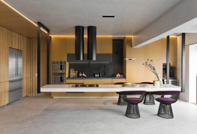 طراحی داخلی آشپزخانه با کانتر معلق