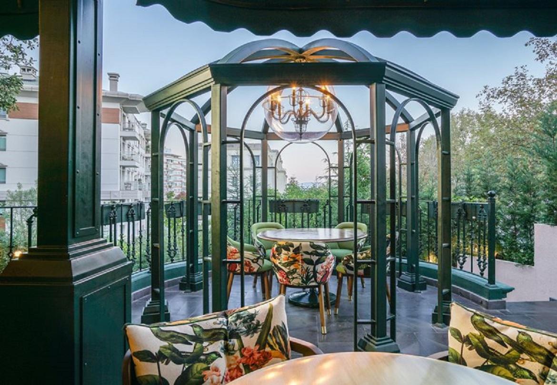 طراحی کافه به سبک هاوانا - Lou Cafe Bistro 3 1