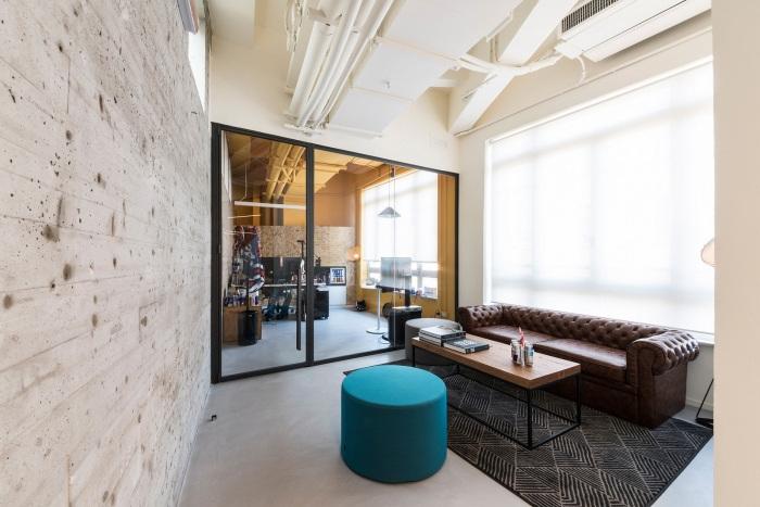 طراحی دفتر کار ردبول