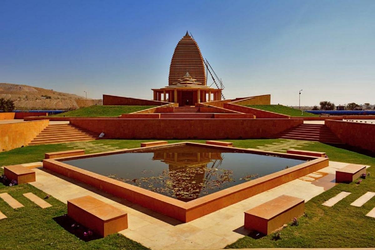 طراحی معبد در هند - Temple in Stone and Light 23