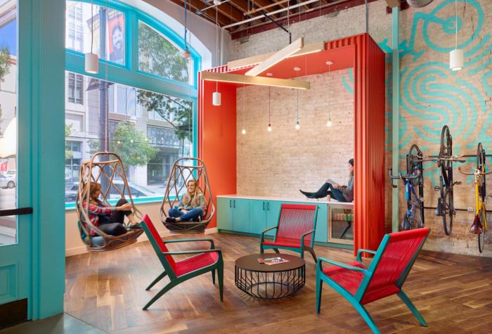 طراحی داخلی دفتر کار تجارت الکترونیک