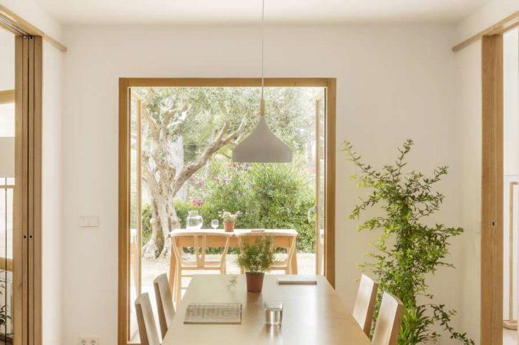 طراحی داخلی باغ آپارتمان با الهام از پارتیشن های خانه های سنتی ژاپنی