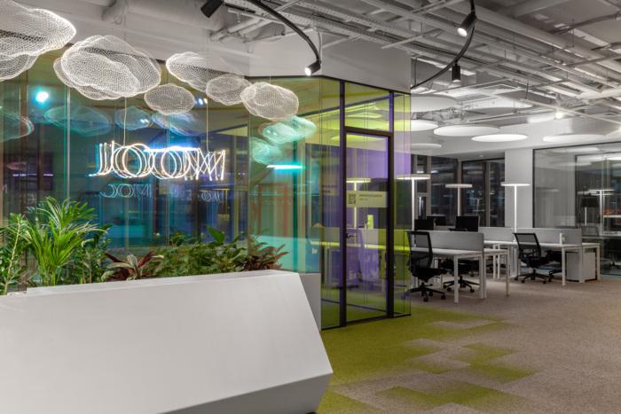 طراحی داخلی دفتر کار شرکت فناوری Joom در روسیه